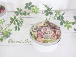 画像1: プリザーブドローズのボックスアレンジ(シャンパンベージュ)〜結婚祝いや開店祝いなどに…ずっと咲き続けるお花〜